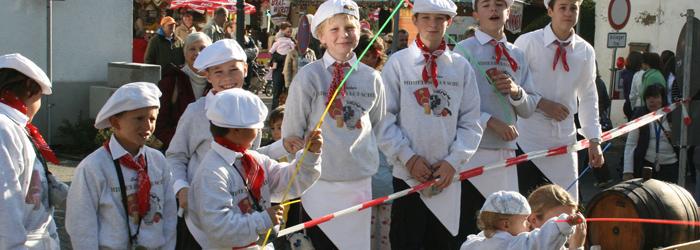 Traditionsfest mit stolzem Nachwuchs
